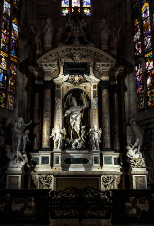 milánó: Milan, Italy - May 16, 2017: Altar of Saint John the Good in the Milan Cathedral (Duomo di Milano). Milan Duomo is the largest church in Italy and the fifth largest in the world.
