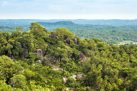 Landscape of Sri Lanka. View from Mulkirigala ancient Buddhist rock temple. Banque d'images