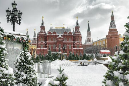 State Historical Museum and Moscow Kremlin in the winter, Russia Éditoriale