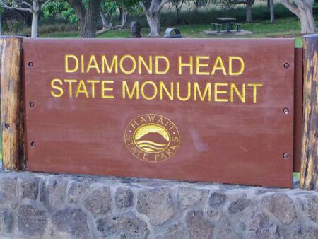 Signs of Diamond Head