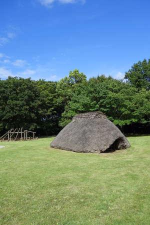 dwelling mound: Pit dwelling