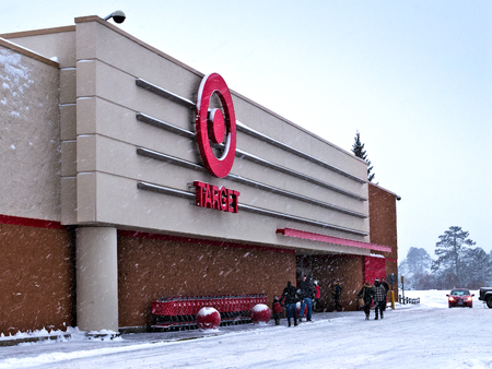 BEMIDJI, MN - 27 DEC 2018: Entrance to Target retail store during a winter snow storm in northern Minnesota. Editöryel