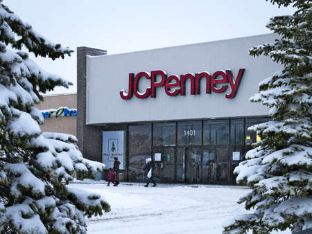 BEMIDJI, MN - 27 DEC 2018: JC Penney Retail Mall Location during a winter snow storm. JCP is an Apparel and Home Furnishing Retailer.