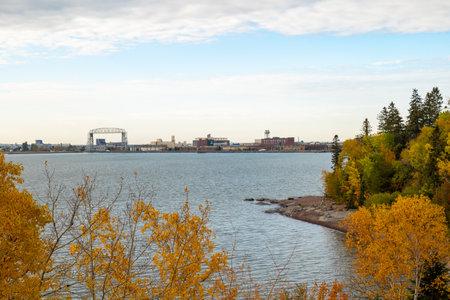 Duluth Minnesota Aerial Lift Bridge, water and shore of Lake Superior. 스톡 콘텐츠