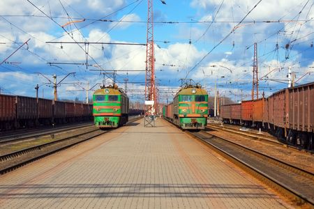 catenation: Freight trains passing station