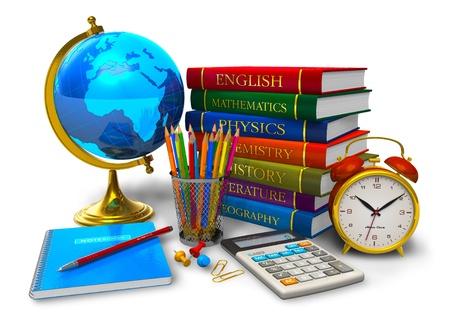 objetos escolares: Educaci�n y regreso al concepto de escuela: pila de libros de texto, globo terr�queo de escritorio, calculadora y otros objetos de escuela y Colegio aisladas sobre fondo blanco