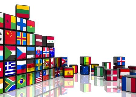 Reizen en de wereld vlaggen concept: collage van blokjes met kleurrijke vlaggen op witte reflecterende achtergrond Stockfoto