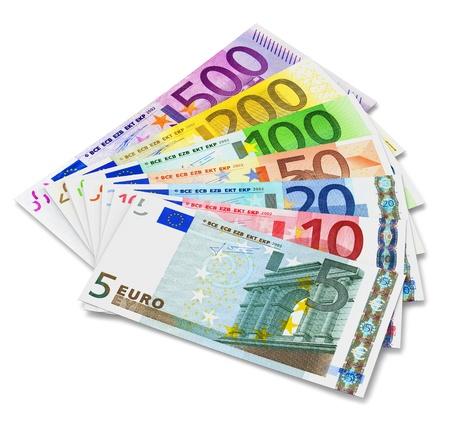 billets euros: Un ensemble complet de billets en euros isol� sur fond blanc