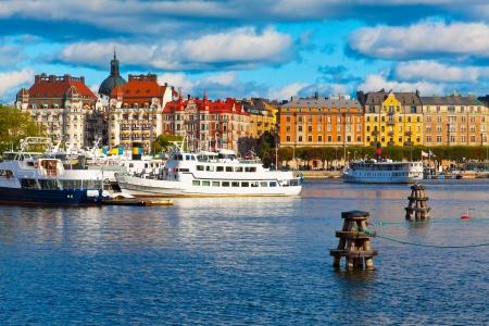 景區夏季,瑞典斯德哥爾摩的舊城區全景 版權商用圖片