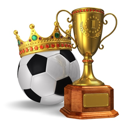 torneio: Football championship concept: golden trophy cup and soccer ball with crown isolated on white background
