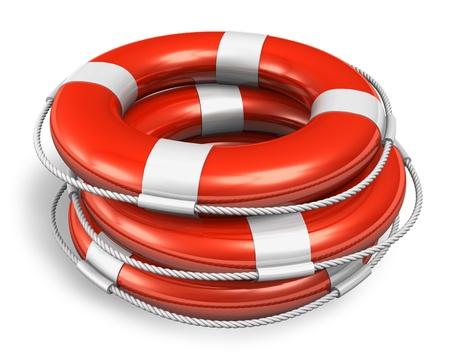 salvavidas: Pila de cinturones salvavidas de color rojo sobre fondo blanco