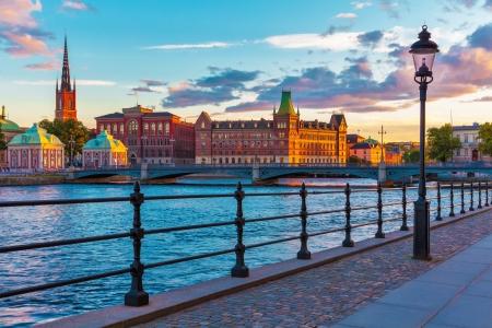 Scenic sunset, lato, w obrębie Starego Miasta (Gamla Stan) w Sztokholmie, Szwecja