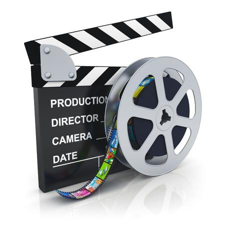 movie pelicula: Cine, cine, cine y video industria de los medios claqueta concepto y el carrete con cinta de pel�cula con im�genes coloridas Foto de archivo