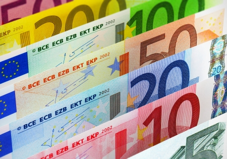 20 euro: European banking and currency financial concept: macro view of full set of Euro banknotes - 500, 200, 100, 50, 20, 10 and 5 Euro