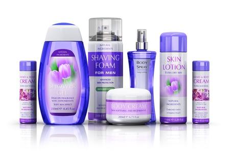 champú: Salud, cuidado del cuerpo y cosméticos concepto: conjunto de varias botellas y recipientes aislados en fondo blanco con efecto de reflexión.