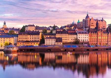 Beautiful evening sunset scenery of Sodermalm district near Slussen and the Old Town  Gamla Stan  in Stockholm, Sweden Stock fotó