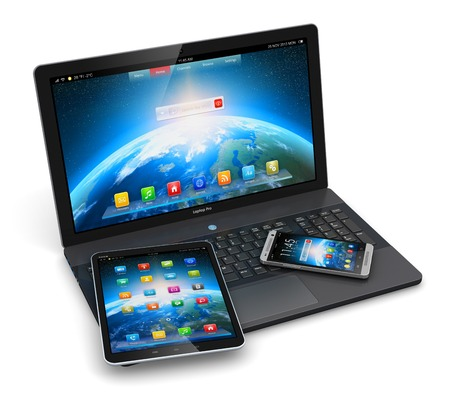 zakelijke laptop of kantoor notebook, tablet-computer PC en moderne zwarte glanzende touchscreen smartphone met kleurrijke applicatie-interfaces op een witte achtergrond Stockfoto