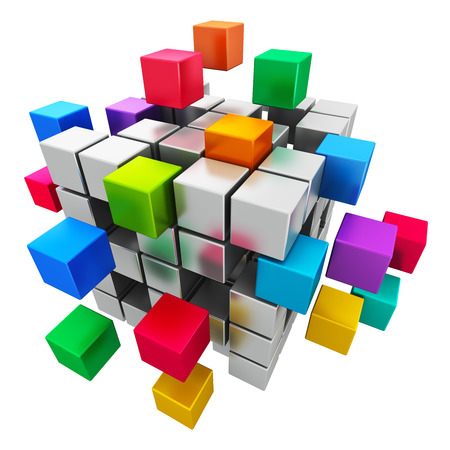 Kreative abstrakten Geschäft Teamwork, Internet-und Kommunikationskonzept bunte kubische Struktur mit der Montage metallische Würfel isoliert auf weißem Hintergrund