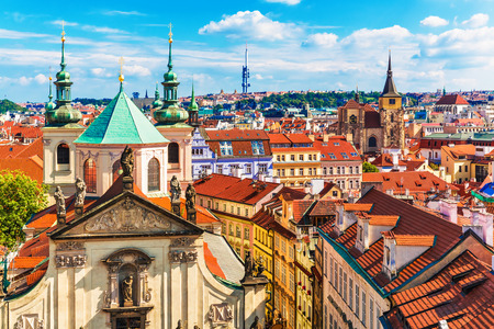 Scenic summer aerial panorama of the Old Town architecture in Prague, Czech Republic Banco de Imagens