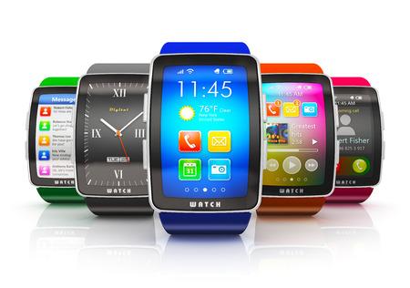 創新業務的移動性和彩色數碼智能手錶或時鐘與五顏六色屏界面現代移動設備的可穿戴技術的概念集合隔絕在白色背景的反射效果 版權商用圖片