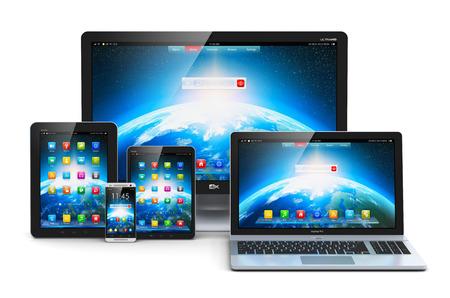 computadora: Tecnología informática abstracto creativo, la movilidad y la comunicación empresarial concepto laptop, notebook o netbook PC, mini tablet PC, smartphone con pantalla táctil y pantalla de visualización del monitor de escritorio aislado en el fondo blanco