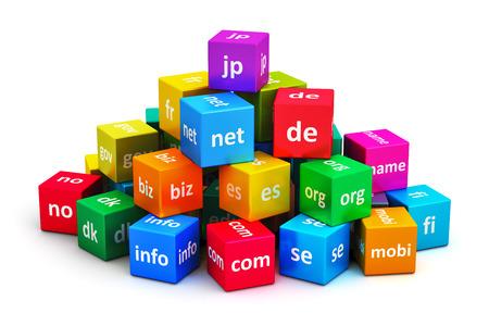 Creativo astratto comunicazione globale internet tecnologia PC e web di telecomunicazione computer concetto di business: gruppo di cubi di colore con i nomi di dominio isolato su sfondo bianco