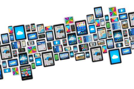 Creativo di mobilità astratto e digitale il concetto di business tecnologia di comunicazione wireless: gruppo di computer tablet PC e moderni smartphone touchscreen o telefoni cellulari con interfaccia a schermo Display colorate con icone e pulsanti isolato su bianco bac