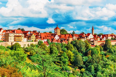 der: Scenic summer panorama of the Old Town architecture of Rothenburg ob der Tauber, Bavaria, Germany Stock Photo