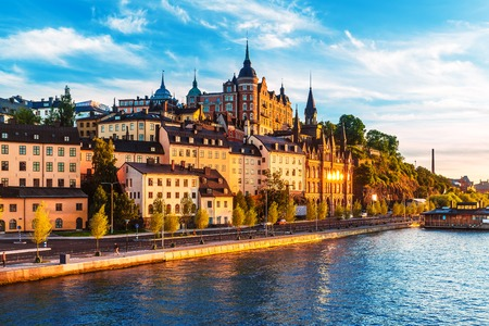 Scenic summer view of the Old Town pier architecture in Sodermalm district of Stockholm, Sweden 版權商用圖片