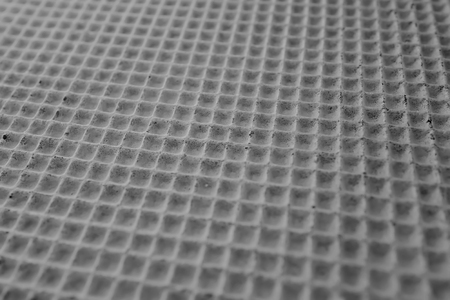 Checkered wafer cake layer for pasting by cream
