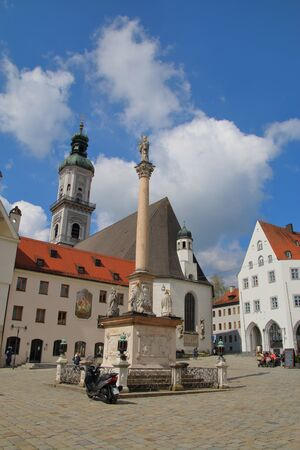 freising: The picture was taken in Germany in Bavaria. The picture shows the central square of the old town of Freising. Modern transportation in the medieval square.