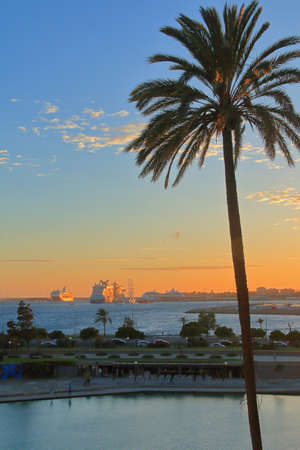 Photo taken on the island of Palma de Mallorca. The picture shows an evening on the coast of the city of Palma. 免版税图像