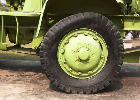 camion minero: Minería Carro viejo y dañado golpe fuera