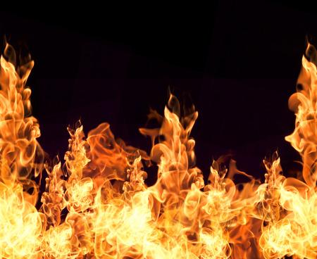 fogatas: Colección llamas de fuego aisladas sobre fondo negro