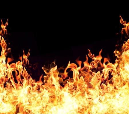 화재 불길 모음 검은 배경에 고립