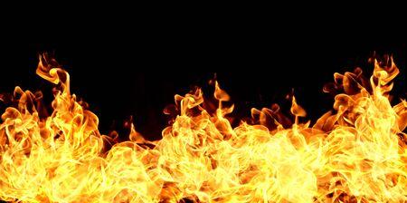 Fiamme di fuoco su uno sfondo nero abstract Archivio Fotografico