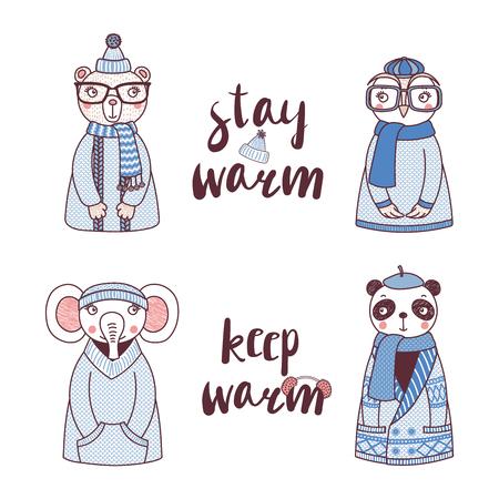 かわいい面白いフクロウ、くま、パンダ、ゾウ、ニット、セーター、帽子、本文滞在暖かいで手描きのベクトル図を暖かく保ちます。白い背景の上