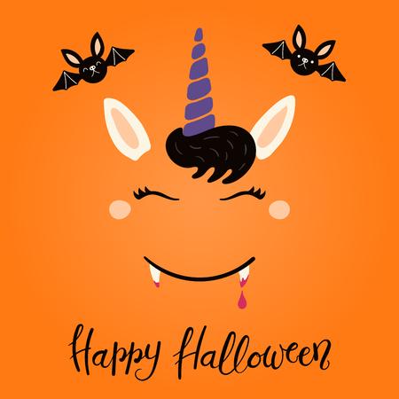 Ilustración de vector dibujado a mano de una decoración de cara de unicornio vampiro divertido lindo, con cita de letras Feliz Halloween. Objetos aislados sobre fondo blanco. Diseño de estilo plano. Concepto de impresión infantil.