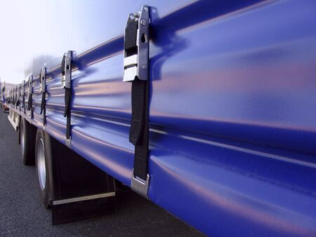 tarpaulin: Semitrailer with a tarpaulin