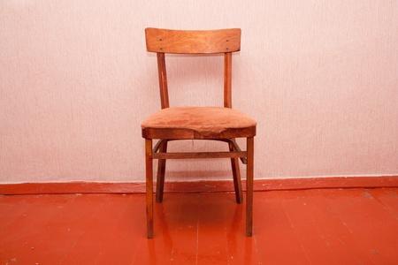 elbowchair: old chair