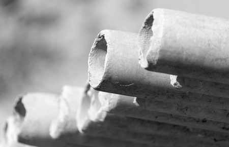 asbestcementbuizen Stockfoto