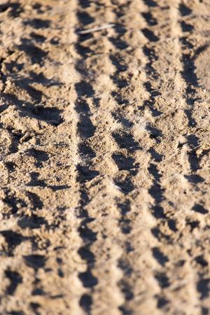 tire tread: trace of the tire tread
