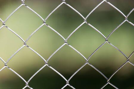 malla metalica: Antecedentes de la malla de metal en la naturaleza