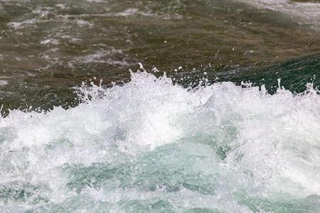 mare agitato: acqua oceano in tempesta come sfondo