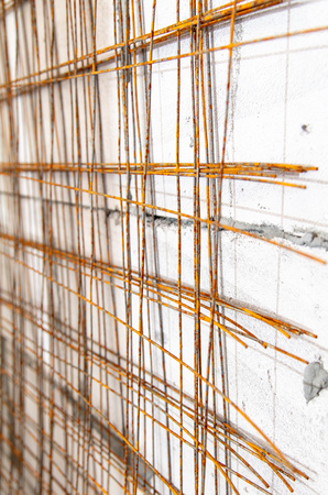 Metal mesh for concrete wall at a construction site . Imagens
