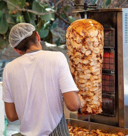 Grilling meat for pita bread. On the street in Turkey Zdjęcie Seryjne