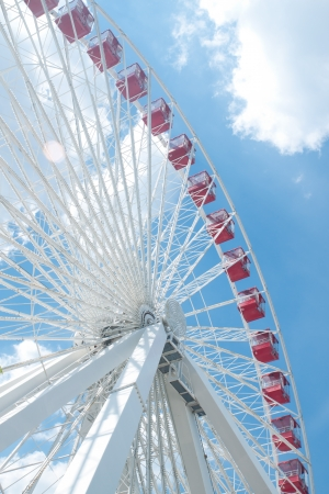 Red ferris wheel in navy pier, Chicago