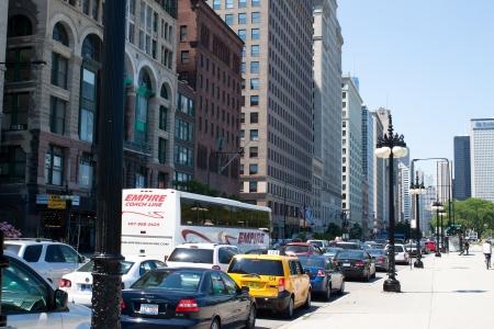 El tr�fico pesado en el centro de Chicago Editorial