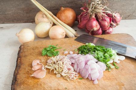 Cocina tailandesa con verduras en la cocina