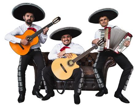 Mexicaanse muzikanten mariachi band. Geïsoleerd op witte achtergrond